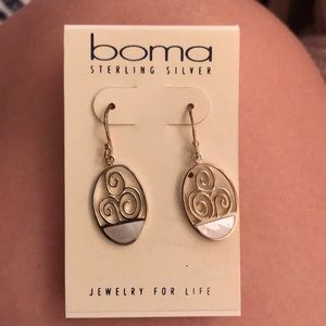 *NEVER WORN* Boma sterling silver earring